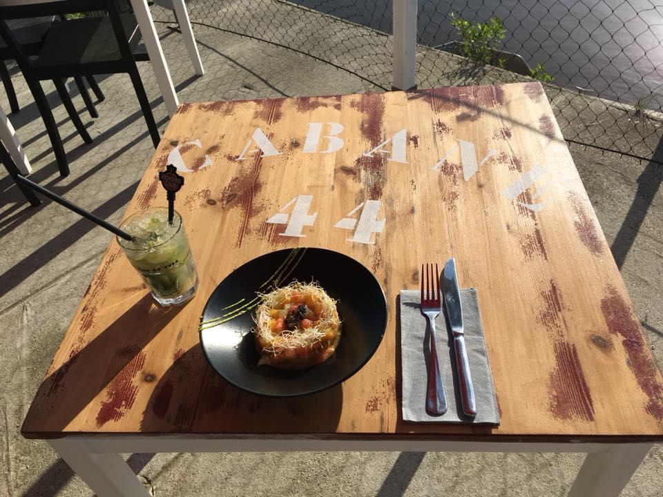 La cabane 44 , Restaurant à Arès , Restaurant port Arès , Fruit de mer et tapas à Arès